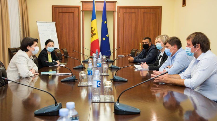 Premierul a avut o întrevedere cu reprezentanții MĂR! Se lucrează la un plan de măsuri care ar susține sectorul HoReCa