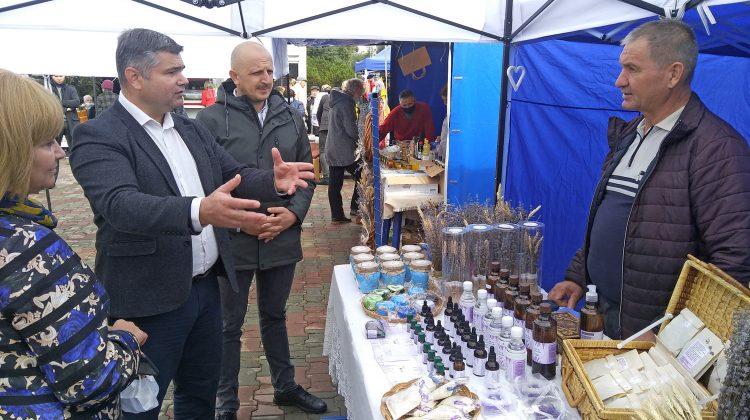 Antreprenorii autohtoni participă la un expo-târg organizat de CCI la Bălți. Sunt prezenți 30 de agenți economici