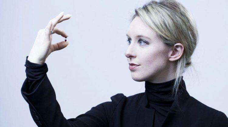 (FOTO) Miliardară la 30 de ani, faliment la 34. Povestea căderii amețitoare a unei celebrități: Elizabeth Holmes