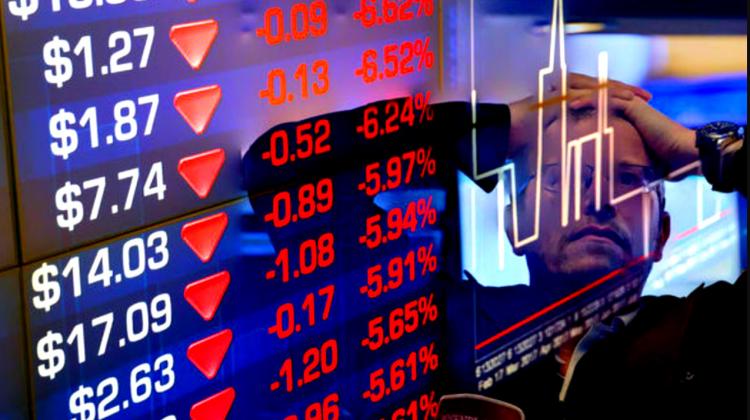 Prăpăd pe bursele din China: reglementările șterg sute de miliarde de dolari din capitalizarea companiilor