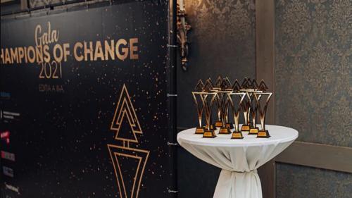 Cine sunt cei 15 CAMPIONI ai schimbării? Fiecare dintre ei aduc schimbarea spre bine a comunităților în care trăiesc