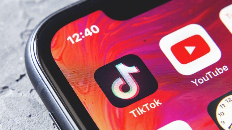 TikTok depășește YouTube pentru timpul mediu de vizionare în SUA și Marea Britanie
