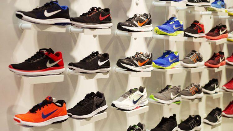Probleme pentru giganții americani Nike și Costco. Se confruntă cu lipsuri de produse și întârzierea comenzilor