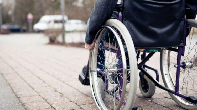 Pensii echitabile pentru persoanele ce au îngrijit persoanele cu dizabilități. Proiectul, votat în lectură finală