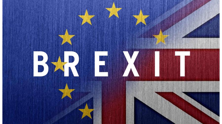 După şoferi şi bere, Brexitul şi COVID-ul îi lasă pe britanici fără mobilă, mâncare caldă şi legume proaspete