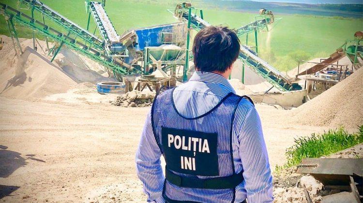 (FOTO) ATENȚIE, PERICOL la locul de muncă! La o carieră de piatră au fost depistate mai multe ilegalități