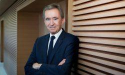 Bernard Arnault, al treilea cel mai bogat om din lume, îşi vinde întreaga participaţie la Carrefour. Cât valorează