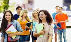 Moldova, paradisul studenților străini. Cât câștigă statul?