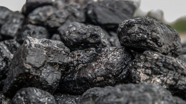 Criza energiei din China se agravează: Cotațiile cărbunelui – la un nivel record. Prețul gazelor rămâne ridicat în UE