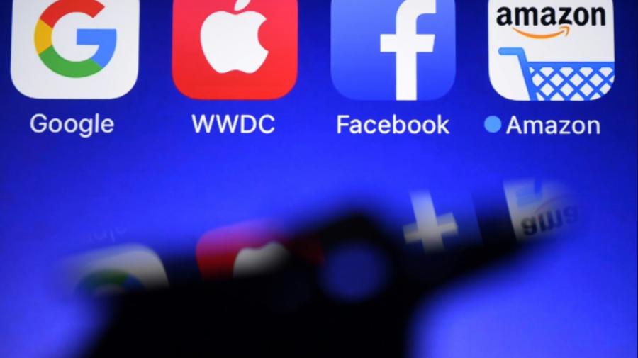Cât câștigă gigantii tehnologici precum Apple, Amazon pe minut? Întreruperile costă Facebook zeci de milioane de dolari