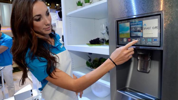 Un frigider care să facă singur cumpărăturile. Cu ce vrea să ne uimească Amazon de această dată