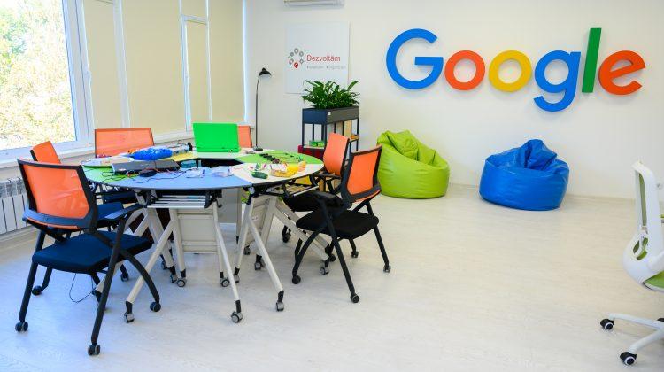 """A fost deschis primul hub tehnologic de instruire a profesorilor al CNIDE """"Clasa Viitorului"""". Ocupă un etaj întreg"""