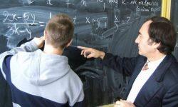 (VIDEO) Profesorii de matematică, pe cale de dispariție. Cât de gravă este criza din domeniu