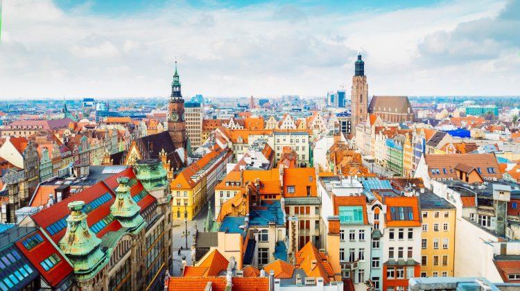"""Ai vizitat Paris, Roma sau Londra şi vrei o altă destinaţie? """"Veneția Poloniei"""" – unul dintre cele mai colorate orașe"""