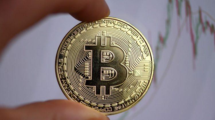 Funcționarii – luați la puricat dacă au monede virtuale. Legea ANI, votată în lectura a doua