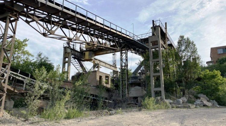 Afaceriștii șmecheri care scot bani din piatră au lăsat Moldova fără cariera din Pervomaisc